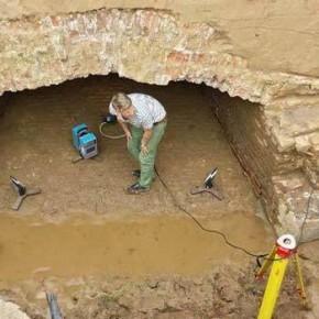 3D meten archeologische opgraving modder