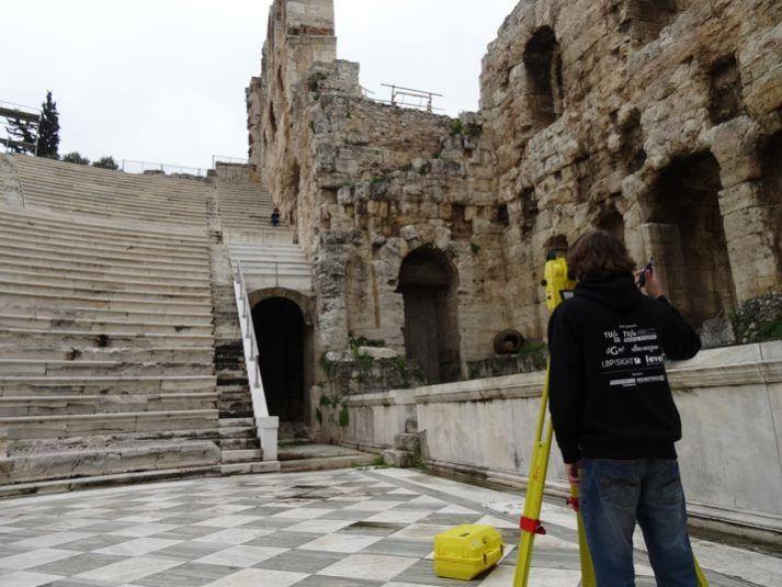 Ancient acoustics inmeten Grieks amfitheater