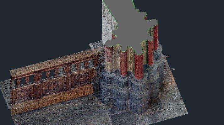 inmeten kolom kerk
