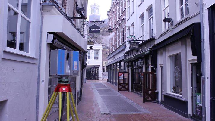 Het 3D meten van de complete omgeving duurde slechts enkele uren. De dataset gaf een volledige 3D beeld van de hele omgeving van de Kerkstraat.