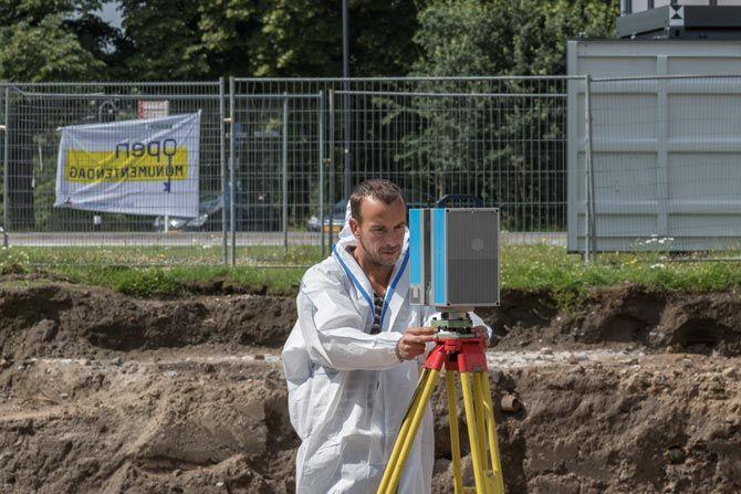 De 3D laserscanner die tijdens de opgraving gebruikt werd, beschikt over een ingebouwde HDR-camera, voor nauwkeurige kleuring van de pointcloud.