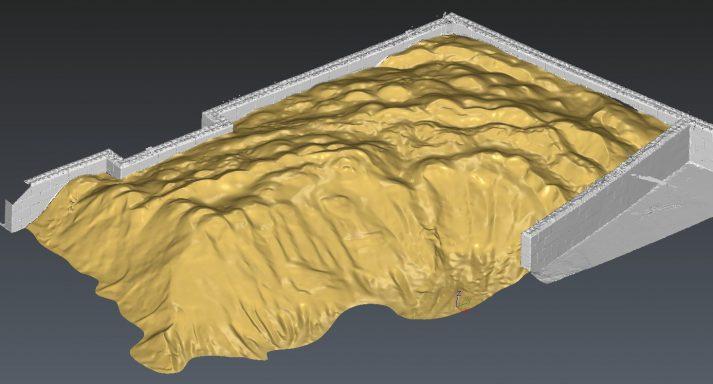 Volumebepaling met pointcloud uit 3D laserscanner van berg zout omgezet naar mesh vlakkenmodel.